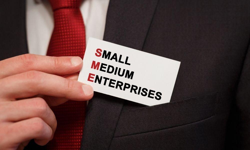 【中小企業のDX】大企業のように進まない理由と、取るべき3つの手段
