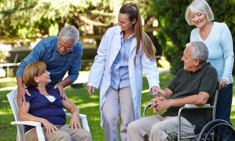 DXの普及への課題は高齢化の進む社会構造