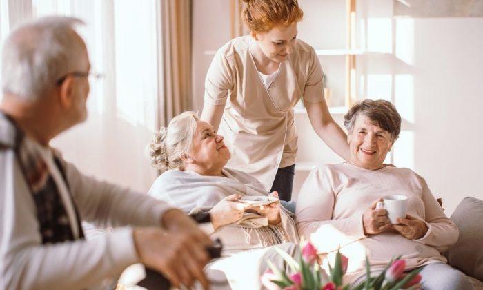 【医療業界のDX事例】DX普及の壁となる高齢化にどう立ち向かうか?