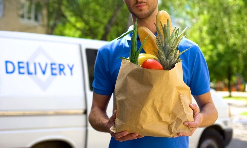 【飲食店を変えるDX戦略④】商圏を広げるEC事業|代表的サービス5選